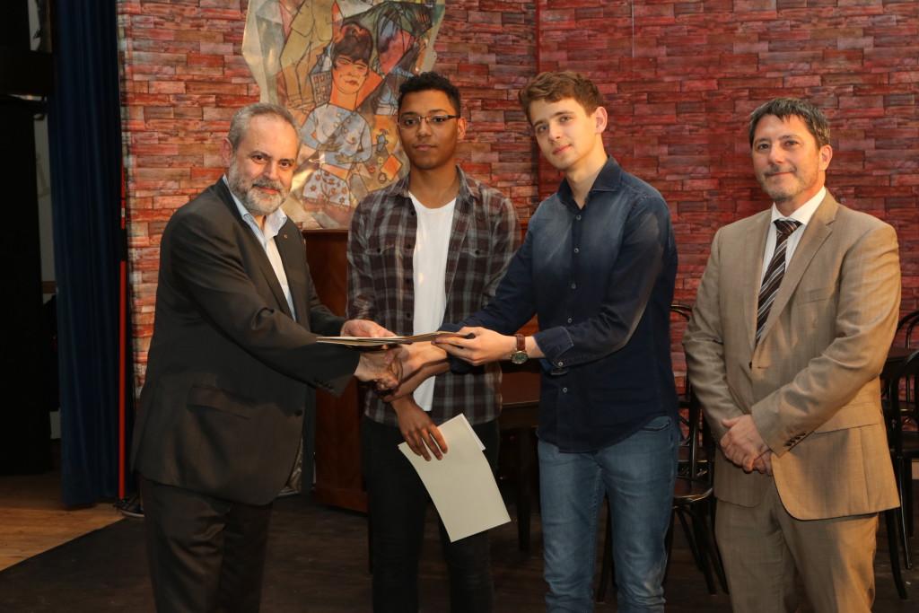 Remise prix Best english essay Clark University